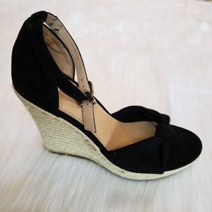 EUC Express Black Suede Bow Wedges, 10